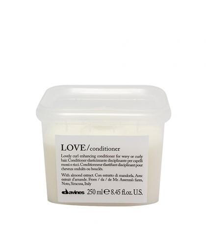 Кондиционер для усиления завитка Essential Haircare Love Curl Conditioner